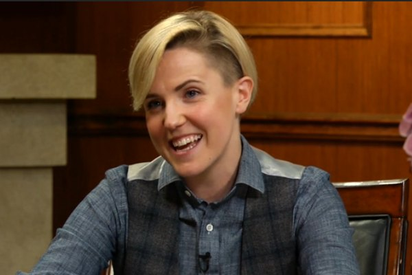 Hannah Hart To Star In Food Network Travel Show On Top Magazine