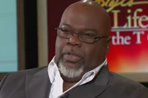 from Ahmed t d jakes son gay